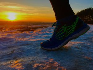 sports-shoes-2057160_1920